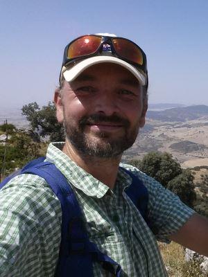 Sascha geht gerne ganz nach oben auf Gipfel. Hier zu sehen auf unserem Hausberg, dem Cerro de los Toros
